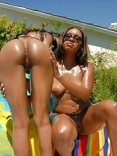 Watch This Stunnin Amazing Ebony Sapphic Duo Watch As They Get Ripped And Drill Eachother